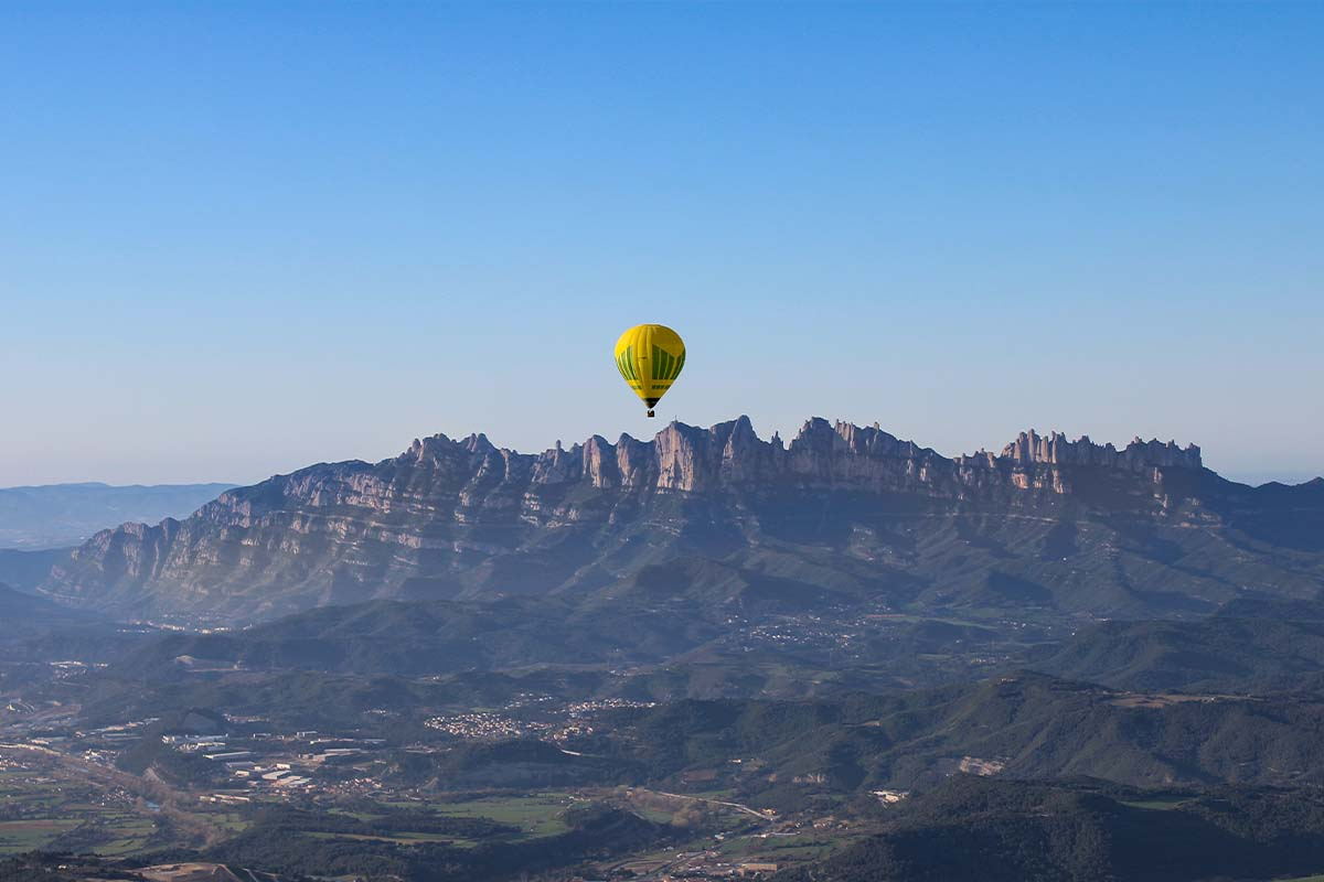 Image Bages with views of Montserrat